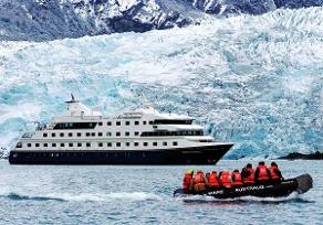 Patagonia cruises with Custom Touring