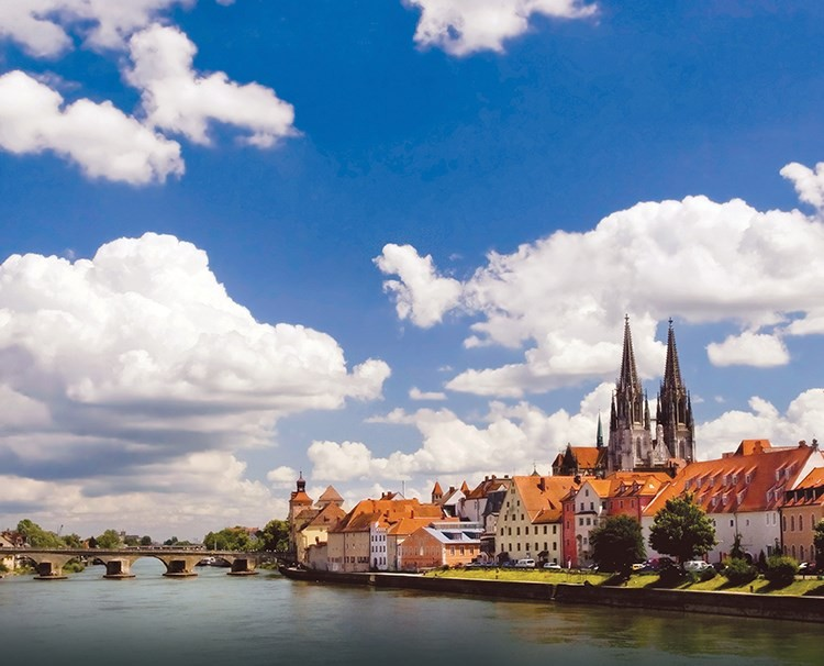 Blue Danube river cruise with Custom Touring