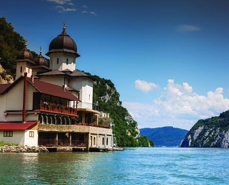 South east Europe river cruise with Custom Touring